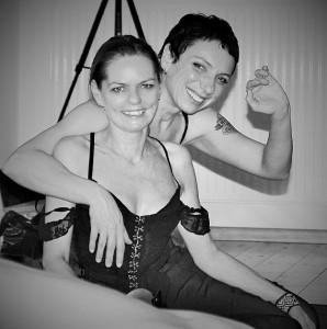 Kaya und Julia bdsm tantra seminar